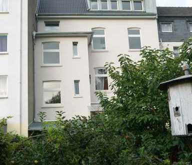 Erstbezug nach Modernisierung, individuelle 3-Zimmer Wohnung