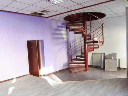 153 m² große Gewerbeeinheit auf 2 Etagen, innenliegende Treppe, Stellplätze vorhanden
