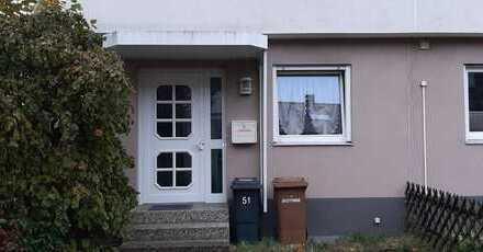 Renoviertes Reiheneckhaus mit moderner Einbauküche und Badezimmer
