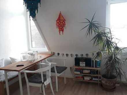 Schöne helle 1-Zimmer-Wohnung mit EBK in Wiesbaden