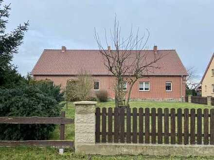 Immobilie unweit von Prenzlau in Weselitz mit großem Grundstück zu verkaufen !