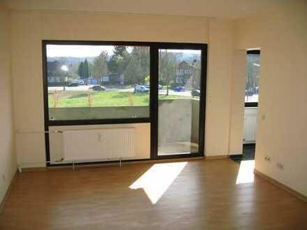 ***Gemütliche Wohnung mit Aufzug und großem Balkon für Sie reserviert!***