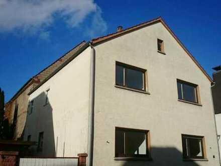Renoviertes 2 Familien-Stadthaus in zentraler Lage von Seligenstadt!