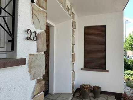 *** Wohntraum: stilvolles, freistehendes Haus mit viel Platz und Ausbaumöglichkeiten ***