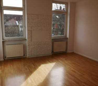 Schöne und helle 3-Zimmerwohnung (WG geeignet) im Zentrum von Karlsruhe