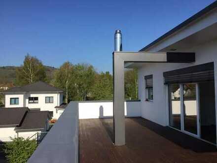 BEST IMMOBILIEN... Helle 5 - Zimmer Maisonette Wohnung mit 2 großen Terrassen in Kelkheim / Mitte