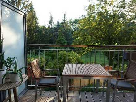 Exklusive ruhige möblierte 2-Zimmer-Wohnung mit Balkon am Park und Einbauküche in Neukölln