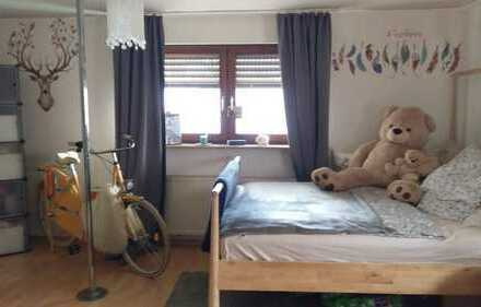 Gepflegte 1-Zimmer-Wohnung mit Bad und EBK in Filderstadt
