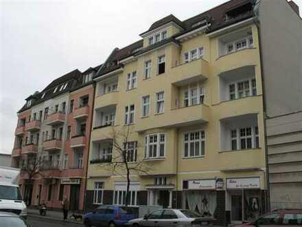 Vollständig renovierte 3-Zimmer-Wohnung mit Balkon in Spandau, Berlin