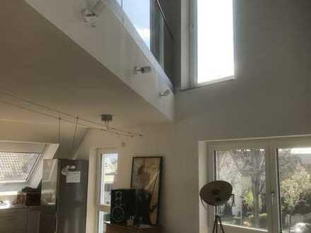 Exklusive, helle und neuwertige 3-Zimmer-Maisonette-Wohnung mit Balkon und EBK in Heilbronn