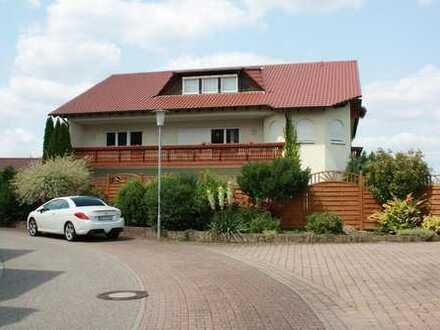 Helle 5-Zimmer-Wohnung mit 2 großen Balkonen und herrlichem Ausblick provisionsfrei zu verkaufen