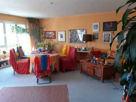 Ruhige 3-Zimmer-Wohnung mit Balkon und EBK in Hochtaunuskreis
