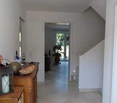 Exklusives Einfamilienhaus in zentraler und ruhiger Lage von Rösrath