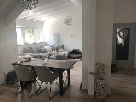 Wohnung mit Loggia und großem Garten