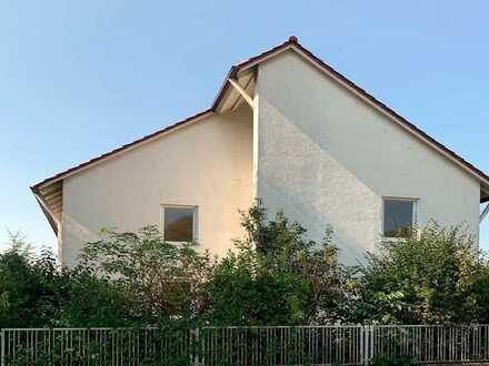 Modernisierungsbedürftiges Einfamilienhaus in Regensburg