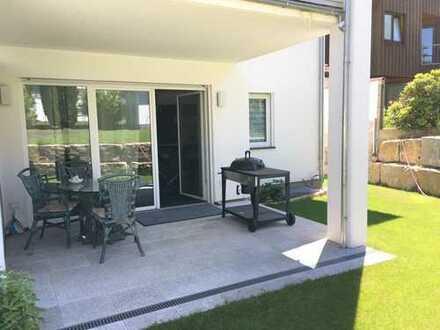 moderne und helle 3 Zimmer-EG-Whg mit Terrasse und kleinem Gartenanteil