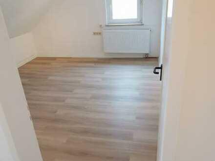 Attraktive, vollständig renovierte 1-Zimmer-Dachgeschosswohnung in Biberach