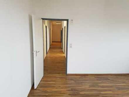 großzügig geschnittene Bürofläche zu vermieten
