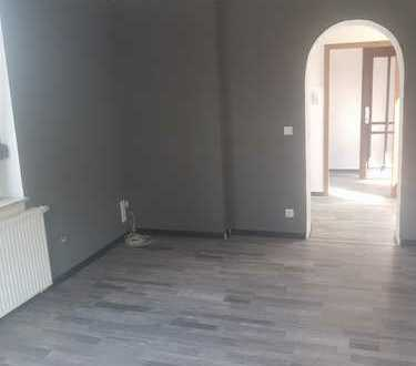Schöne, vollständig renovierte 1-Zimmer-EG-Wohnung in Essen Dellwig - Dellwigerstraße