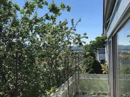 Erstbezug nach Sanierung mit Balkon: ansprechende 3-Zimmer-EG-Wohnung in Eislingen