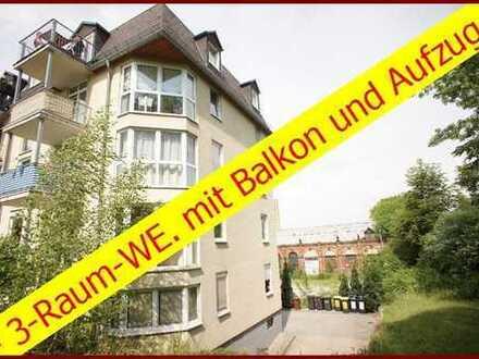 Preiswerte, gepflegte 3-Zimmer-Dachgeschosswohnung mit Balkon und Aufzug in Chemnitz