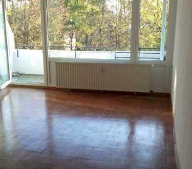 Erstbezug nach Sanierung mit Balkon: attraktive 2-Zimmer-Wohnung in Bremen
