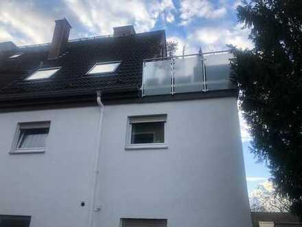 Großzügige 2 Zimmerwohnung /Dachgeschoss-Maisonett mit einer großen Terrasse