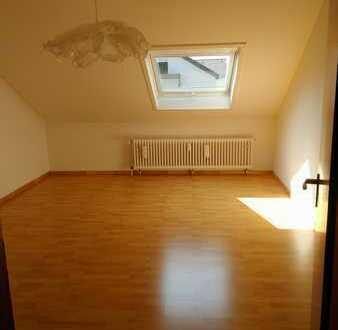 Schöne, gepflegte 4-Zimmer-Dachgeschosswohnung in Stuttgart Neugereut