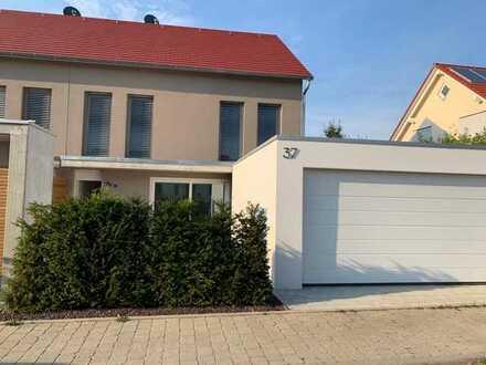 Moderne und hochwertige Doppelhaushälfte (Neubau) in Schlierbach zu vermieten