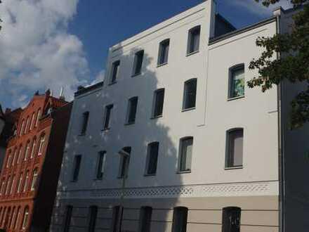 Altbau, Top sanierte 3 Zimmer mit Designbad, Balkon, EBK, Parkett