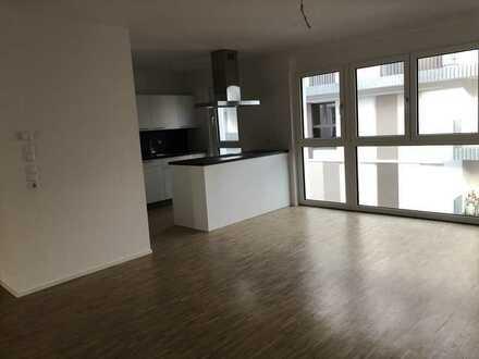 Attraktive und moderne 4-Zi. Whg. (W9) mit Balkon und zeitloser Einbauküche!