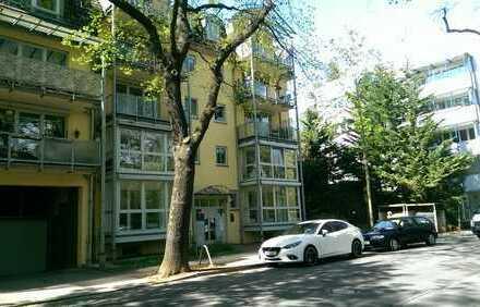 Wohnen am Stadtpark:sehr attraktive 3-Zimmer-Wohnung mit Balkon, Fahrstuhl und Tiefgarage