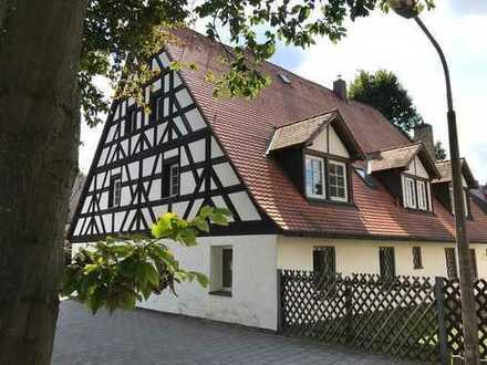 4-Zimmer-Wohnung in einem denkmalgeschützten Bauernhaus aus dem 18. Jahrhundert