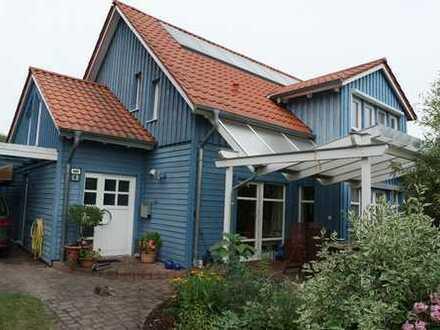 Großes helles Holzhaus mit sechs Zimmern in Werder (Havel) am Großen Zernsee