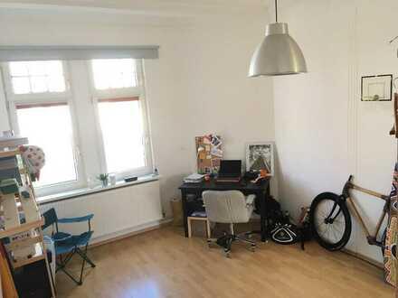 Grosses und Helles WG-Zimmer in 110qm Wohnung in Bremerhaven-Lehe