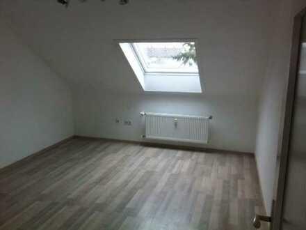 1 Zimmer-Küche-Bad Dachwohnung