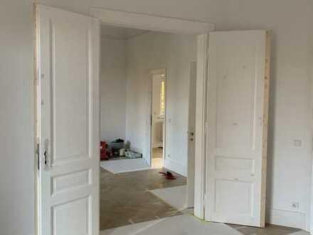 Wunderschöne 3-Zimmer Altbau-Wohnung im denkmalgeschütztem Haus!! Erstbezug nach Sanierung!!