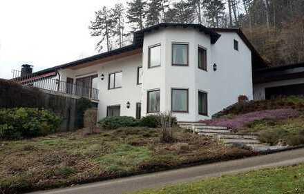 Anwesen mit Villa in exponierter Lage und einzigartiger Aussicht