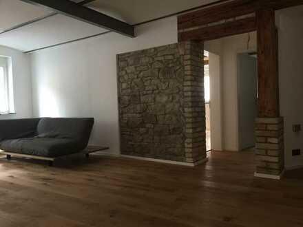 Stilvoll saniert, hochwertig modernisiert & bezugsfertig: 2-Familienhaus mit Einliegerwohnung!