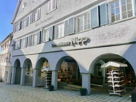 Ladenlokal im Denkmal aus dem 18 Jahrh.*Große Schaufensterfront,1-a Lage,Fußgängerzone