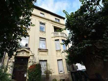 Altbau-Juwel! 3-Zimmer-Wohnung mit EBK, Balkon & Garten zu vermieten
