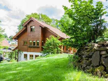 Individuelles Einfamilienhaus in zweiter Reihe auf über 4.100 m² Traumgrundstück