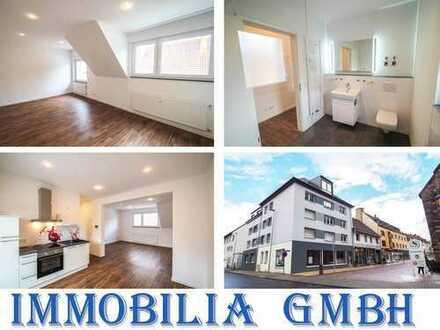 IM STADTZENTRUM - 2 ZKB Wohnung/Büro mit gehobener Ausstattung/Balkon/Fahrstuhl/Einbauküche in ZW