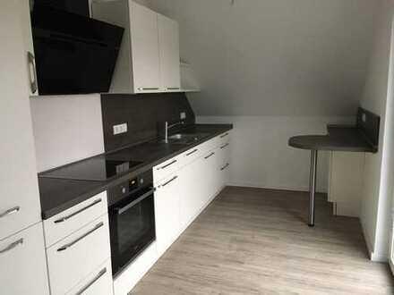 Erstbezug nach Sanierung: ansprechende 4-Zimmer-Dachgeschosswohnung mit EBK und Balkon in Garrel