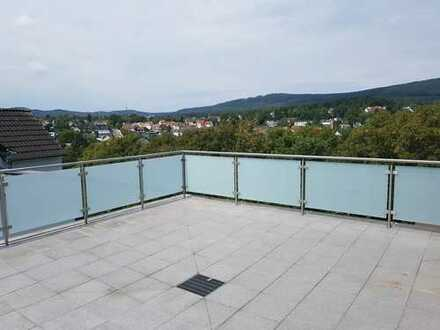 Erstbezug nach Komplett-Sanierung: 3-Zimmer-DG-Wohnung, mit Terrasse und Einbauküche, Königstein/Ts.