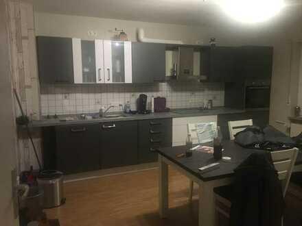 Gepflegte 3-ZBB-Wohnung und Einbauküche in Weinsheim