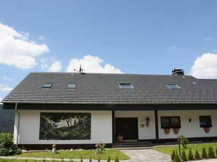 Schönes, geräumiges Haus mit neun Zimmern in Titisee-Neustadt mit herrlichem Ausblick auf die Stadt