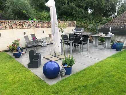 Behindertengerechte Wohnung mit ca. 100 m² Gartenbereich und möglichem Wintergarten.