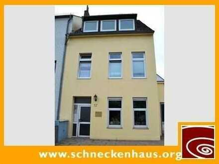 Nähe Waterfront! Kleines Single-Appartement mit separater Küche!