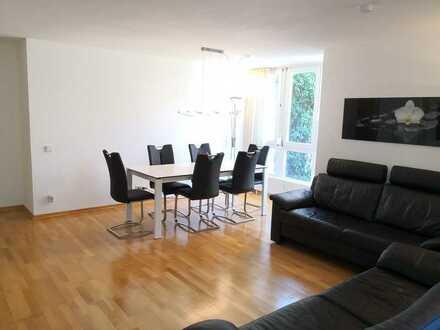 Schöne 3-Zimmer-Wohnung im Erdgeschoss mit sonniger Terasse, Hobby-Raum und Stellplatz im Freien